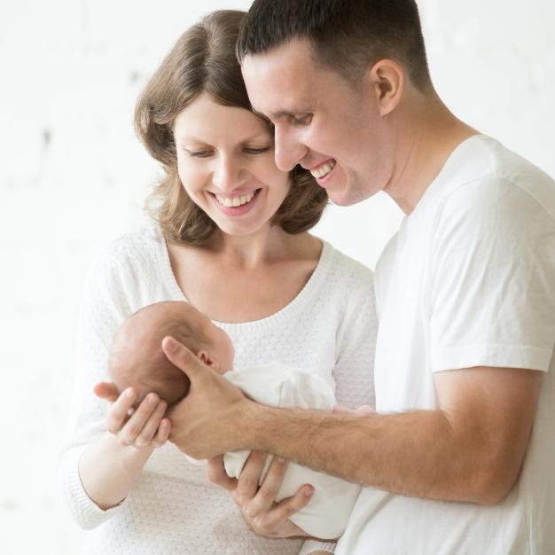 ¿Por qué es mejor incluir una muestra de la madre en un test de paternidad?